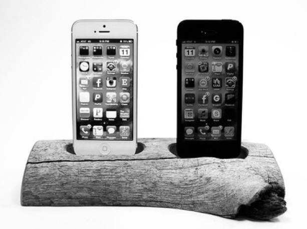 Wood iPhone 5 Dock - Couple